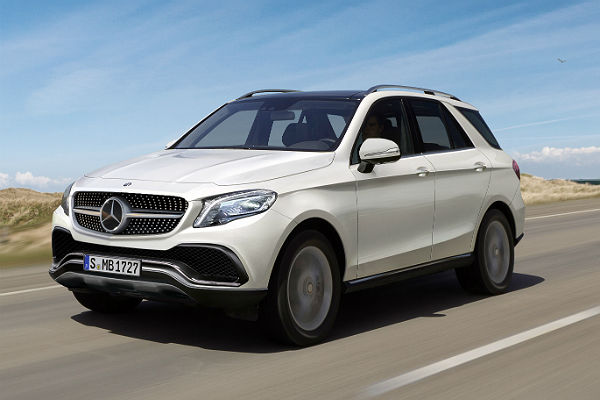 Мантуров назвал стоимость завода повыпуску Mercedes вПодмосковье