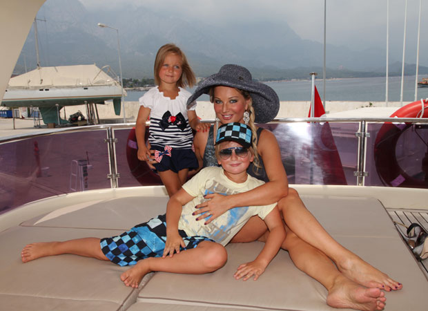 Мария максакова биография личная жизнь муж и дети фото